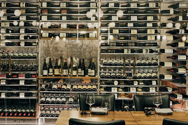 niku-restaurant-wine-cellar
