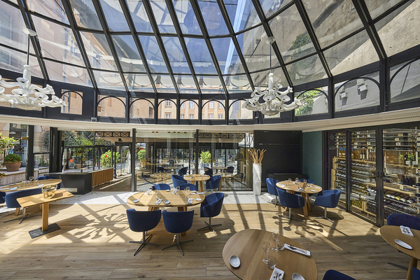 restaurant-Toulouse-wine-cellar