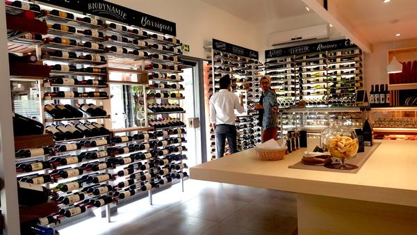 wine-store-Thaiti-racking-30